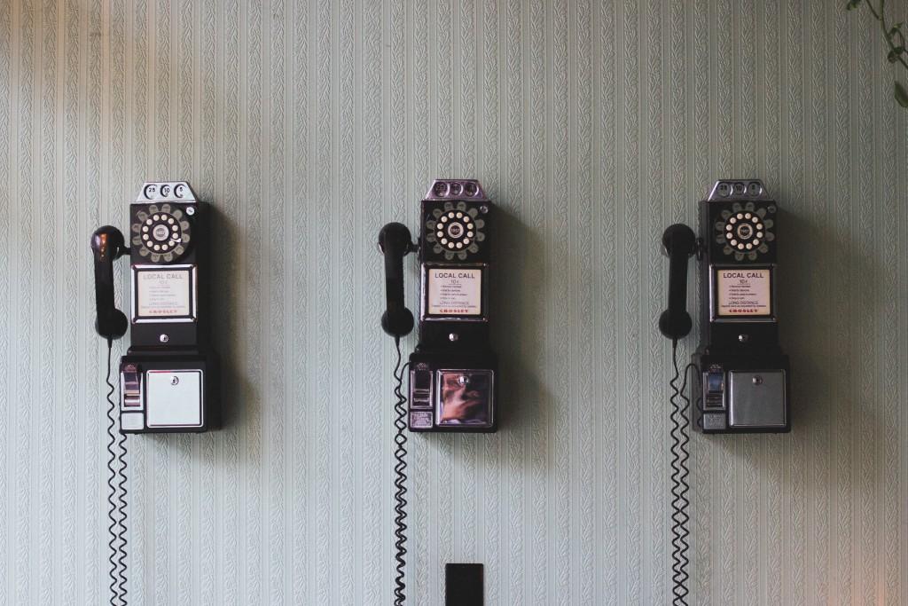 3 telefoni